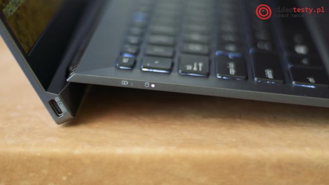 Laptop ASUS B9440U Bok