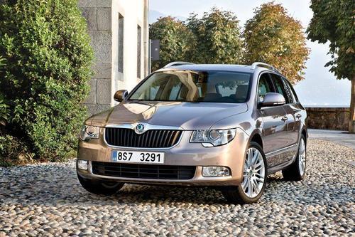 Skoda Superb Kombi 1,6TDI CR DPF (105KM) M5 Platinum 5d