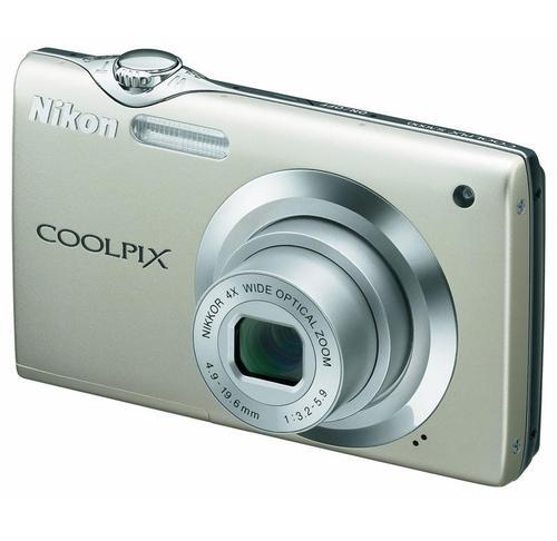 NIKON COOLPIX S3000 (SREBRNY)