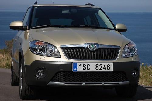 Skoda Fabia II Scout Hatchback 1,6TDI CR DPF (90KM) M5 5d
