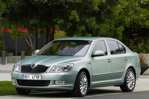 Skoda Octavia Hatchback 2,0TDI CR DPF (110KM) M5 FAMILY PLUS - model akcyjny 5d