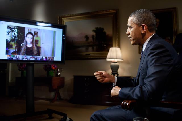 Obama podczas wywiadów z internautami