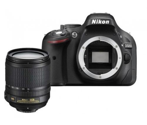 Nikon D5200 + 18-105VR + torba CF-EU05