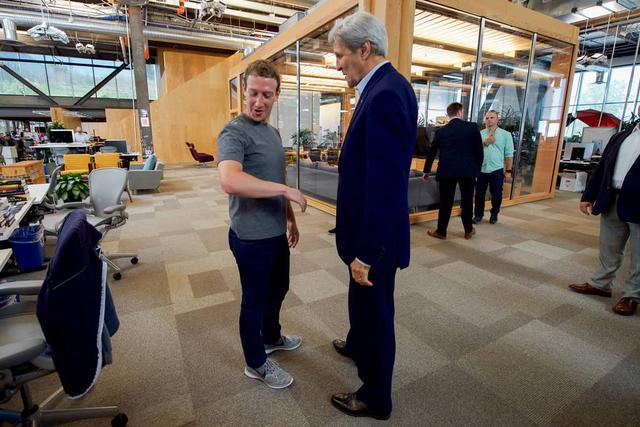 Kerry i Zuckerberg
