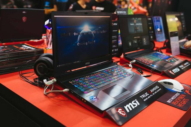 Laptop MSI Raider